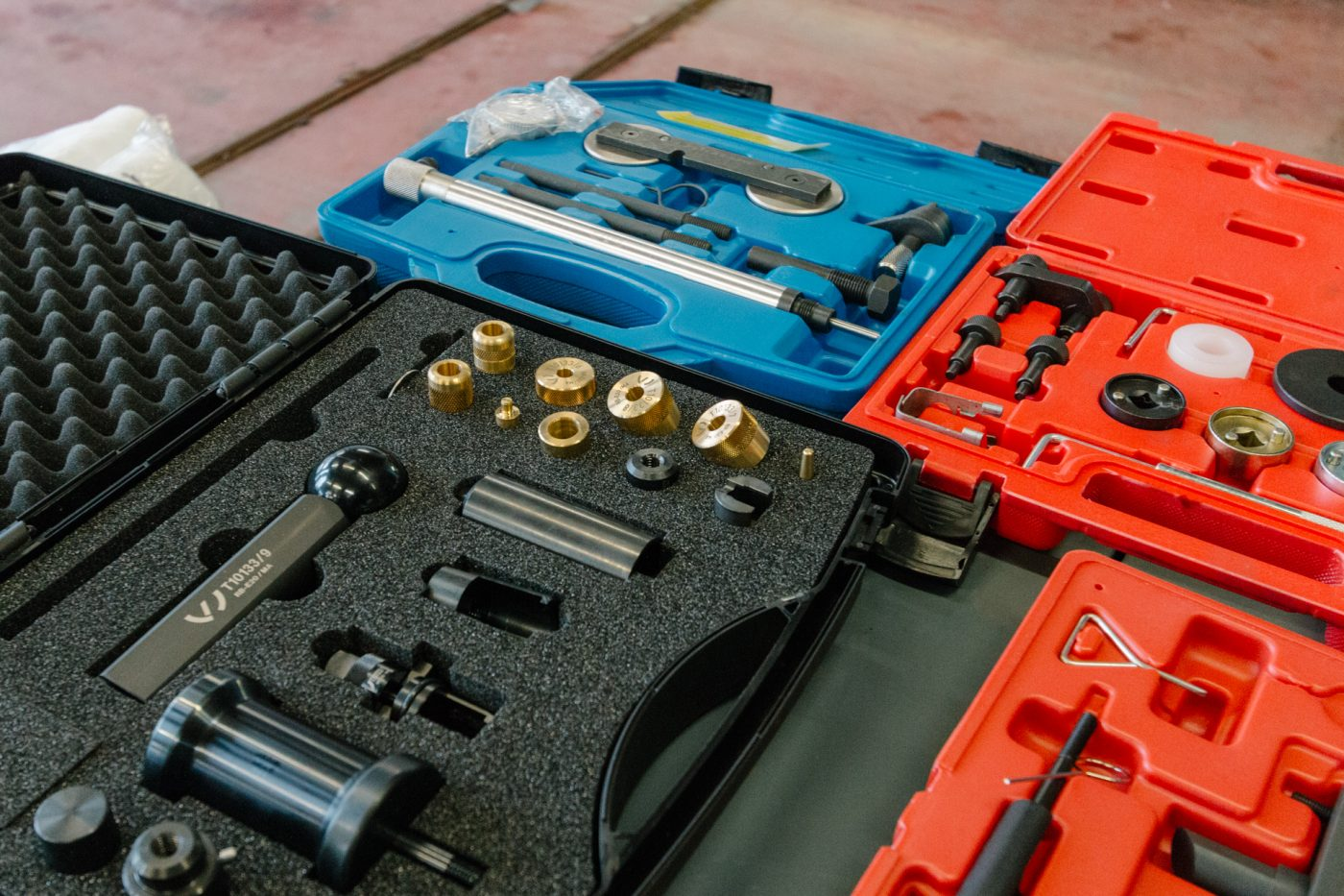 Diesel injector removal tools